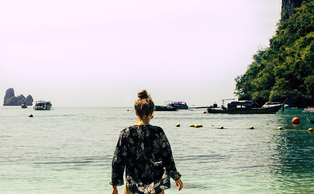 Tips for women traveling to Thailand: cover up