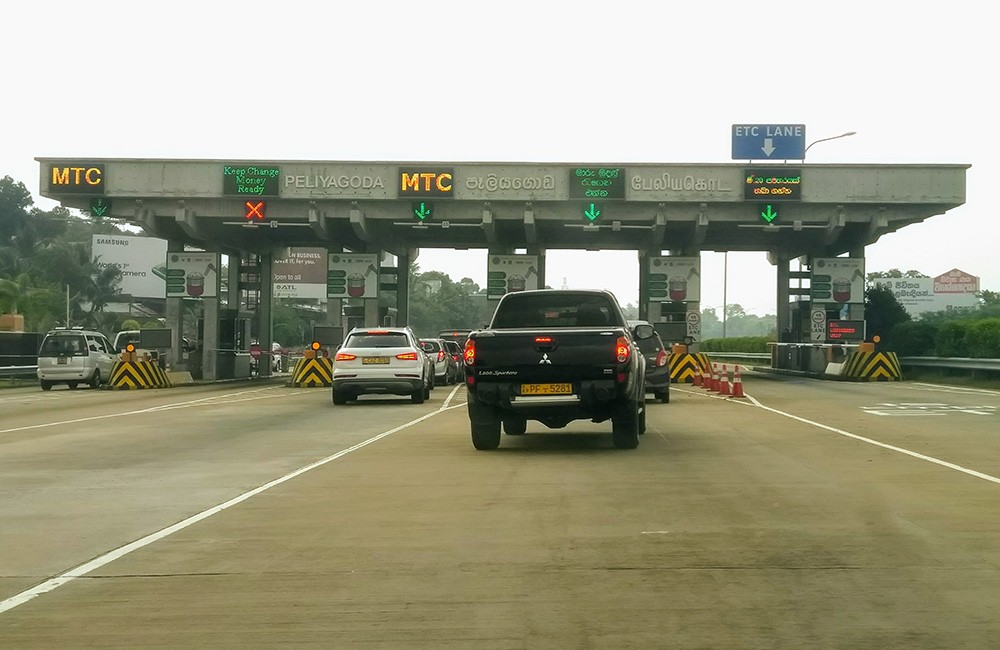 Toll roads - what to know about driving in Sri Lanka