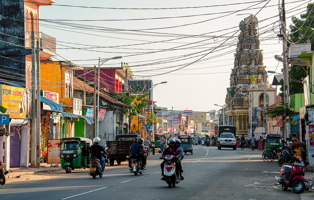 What you should know about driving in Sri Lanka