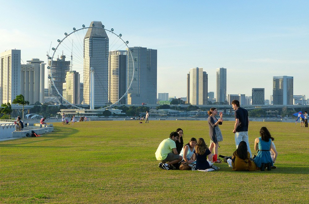What is expat life in Singapore like?