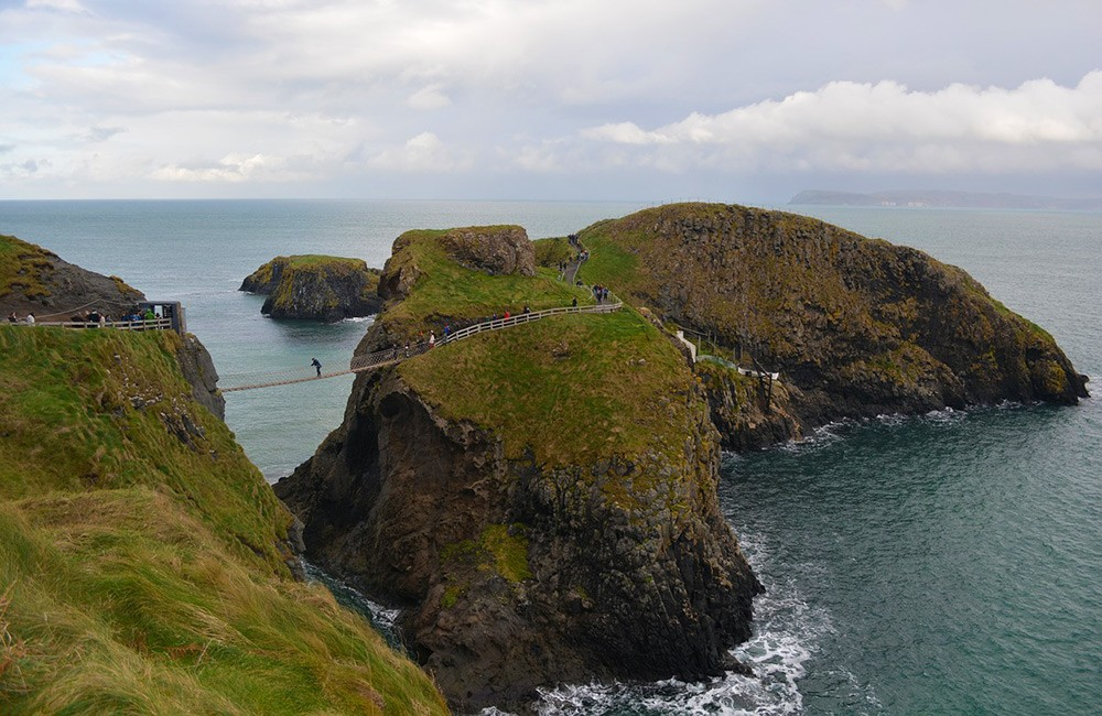 Northern Ireland must-visit places: Carrick-A-Rede Rope Bridge