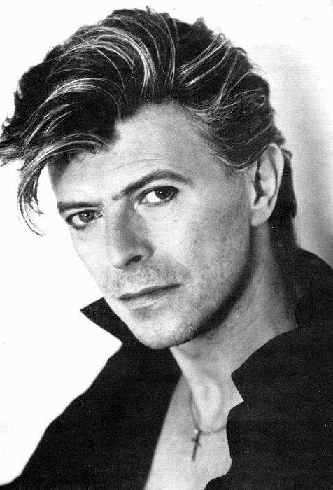 Bowie-david-bowie-29009782-476-700