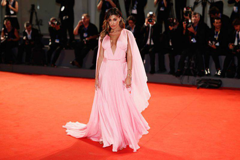 belen rodriguez ritardo red carpet venezia