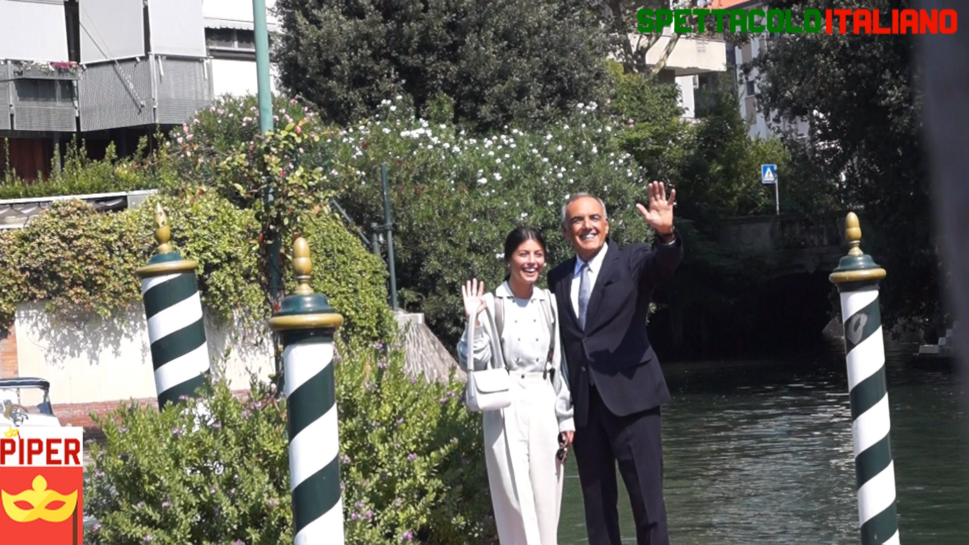 Venezia 76 la madrina Alessandra Mastronardi arriva al Lido (Hotel Excelsior) VIDEO