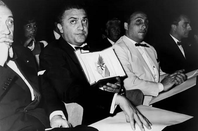 Federico Fellini 100 anni, una raccolta di foto del regista che ha fatto la storia dello spettacolo italiano