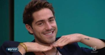Tommaso Zorzi, chiappe all'aria sui social – il video Instagram