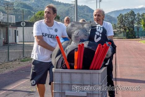 Magazzinieri al lavoro - Foto Patrizio Moretti
