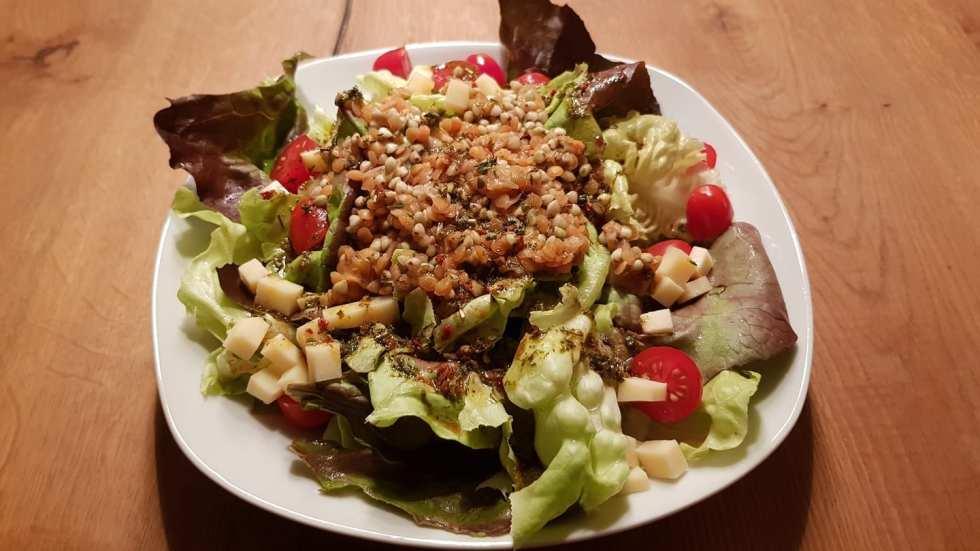 Salat mit roten Linsen & Buchweizen
