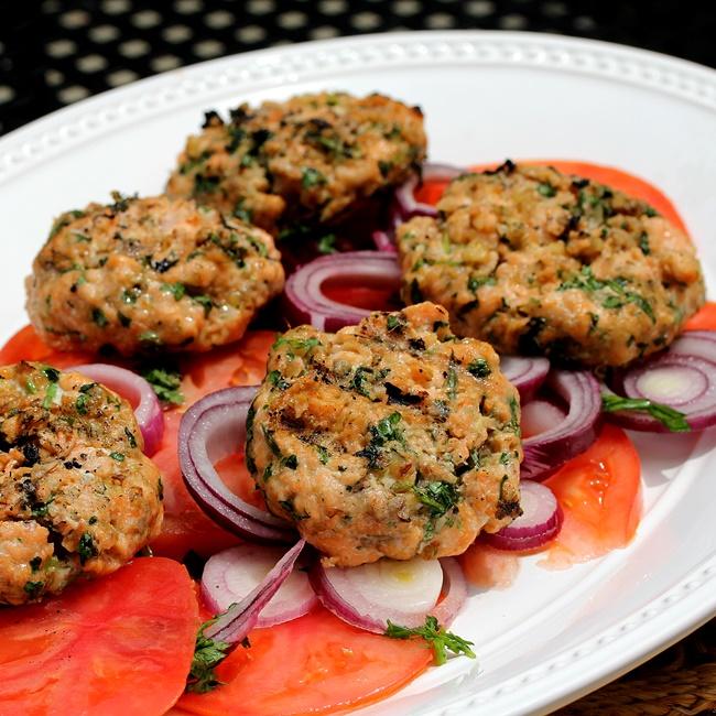 Salmon on tomato_650