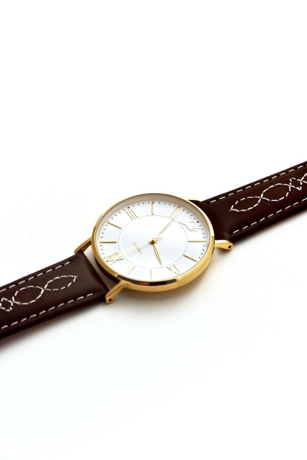 Fancy-Stitch-Wrist-Watch-Havana-Face-1