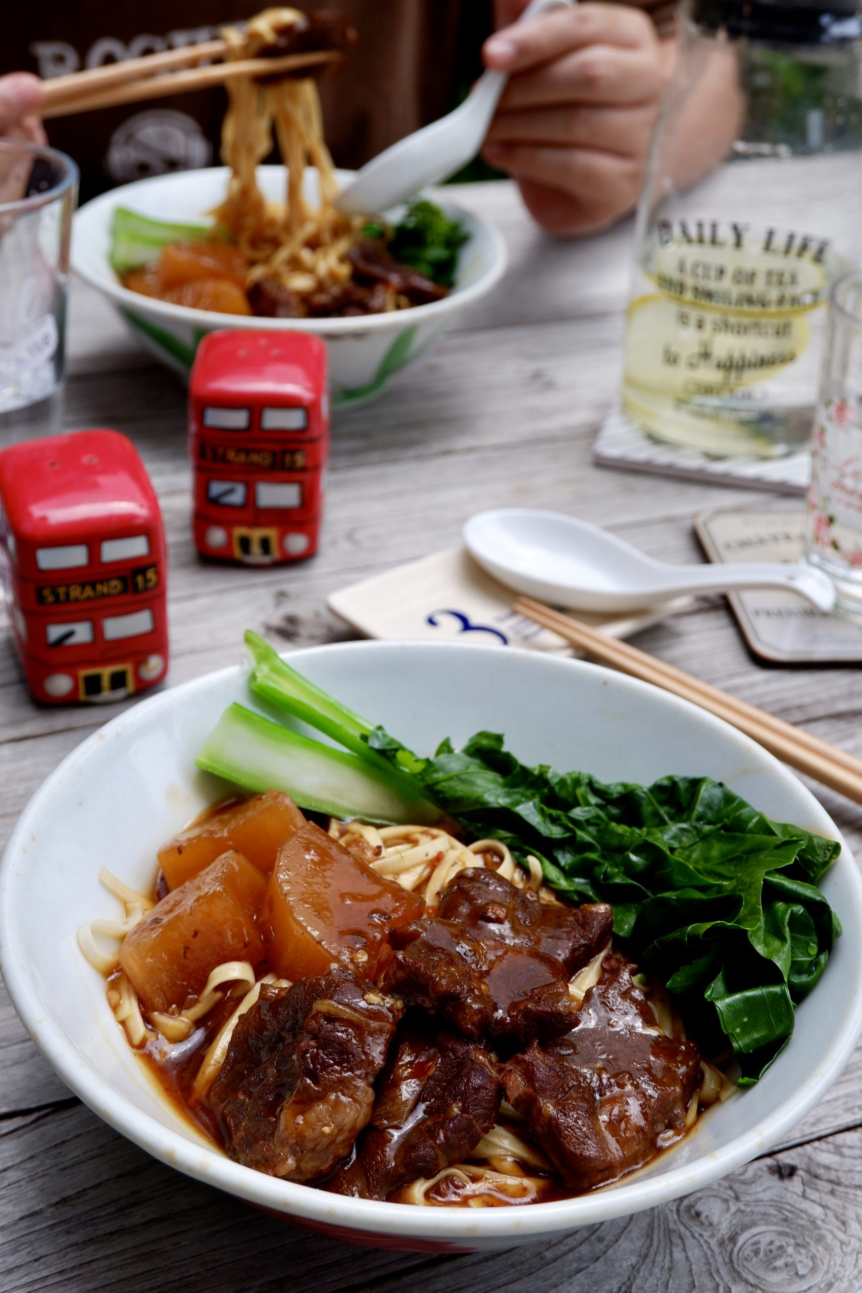 Super Easy Braised Beef Noodles Recipe 红烧牛肉面