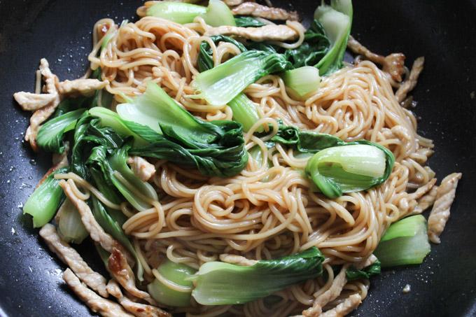 Easy Stir-fry Lo Mein Noodles
