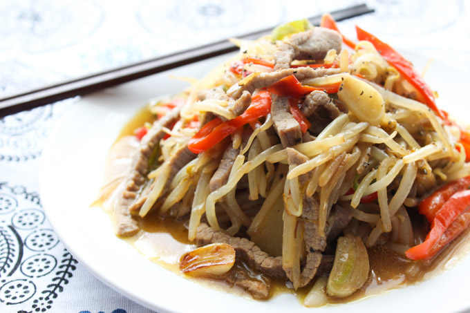 Beef and bean sprouts