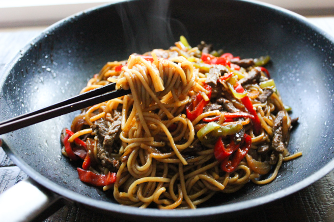 Beef lo mein spice the plate beef lo mein recipe forumfinder Image collections