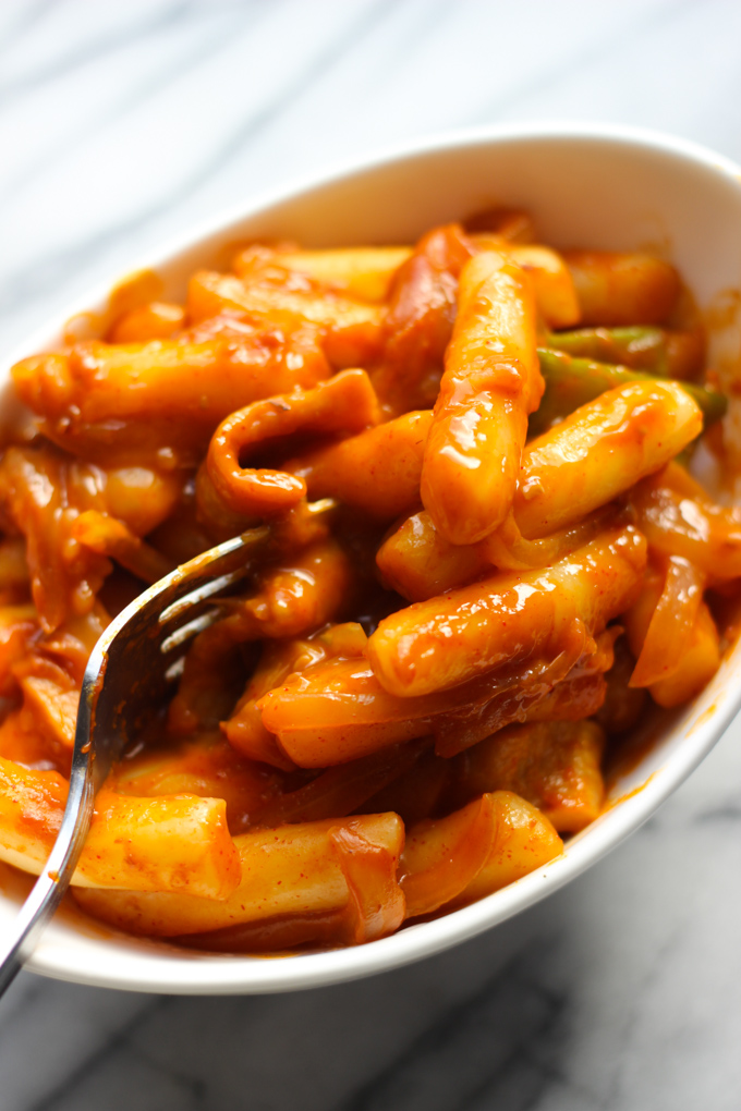Spicy Rice Cakes Tteokbokki Spice The Plate