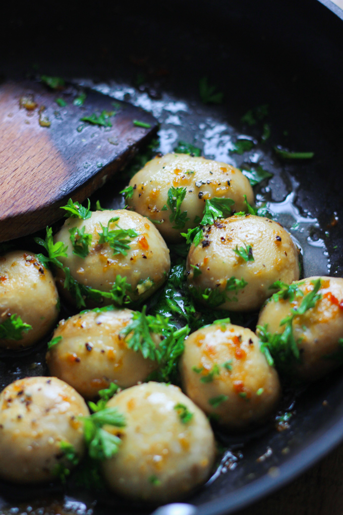 Garlic Butter Whole Mushrooms