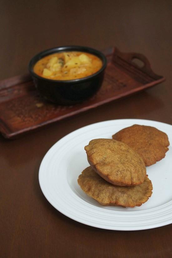 Singhare ki puri recipe | Singhare ke atte ki poori for fasting, vrat
