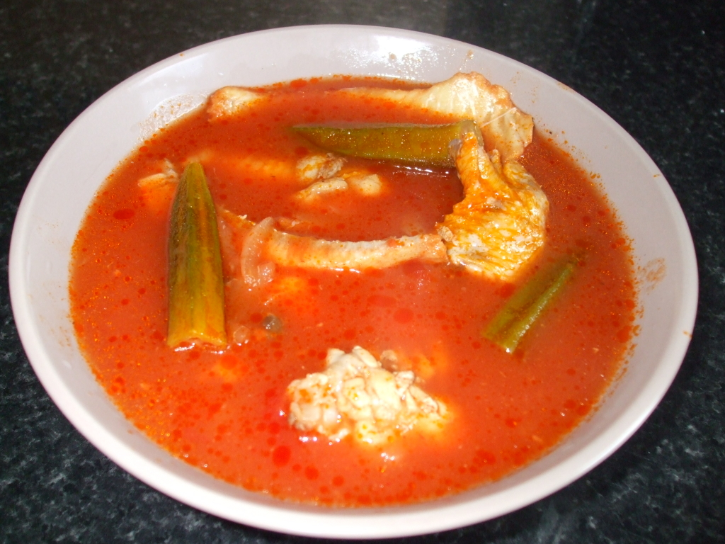 Fish and duck wings light soup spicyfafa for Fish and wings