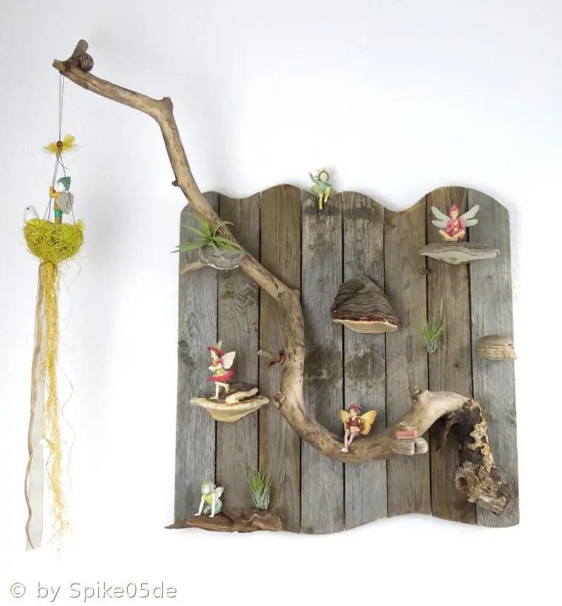 Flower Fairy Wand aus Palettenholz mit Baumpilzen und Tillandsien