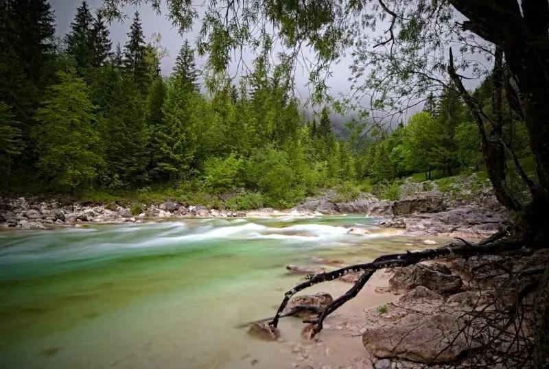 Soca Fluss Slowenien Langzeitbelichtung