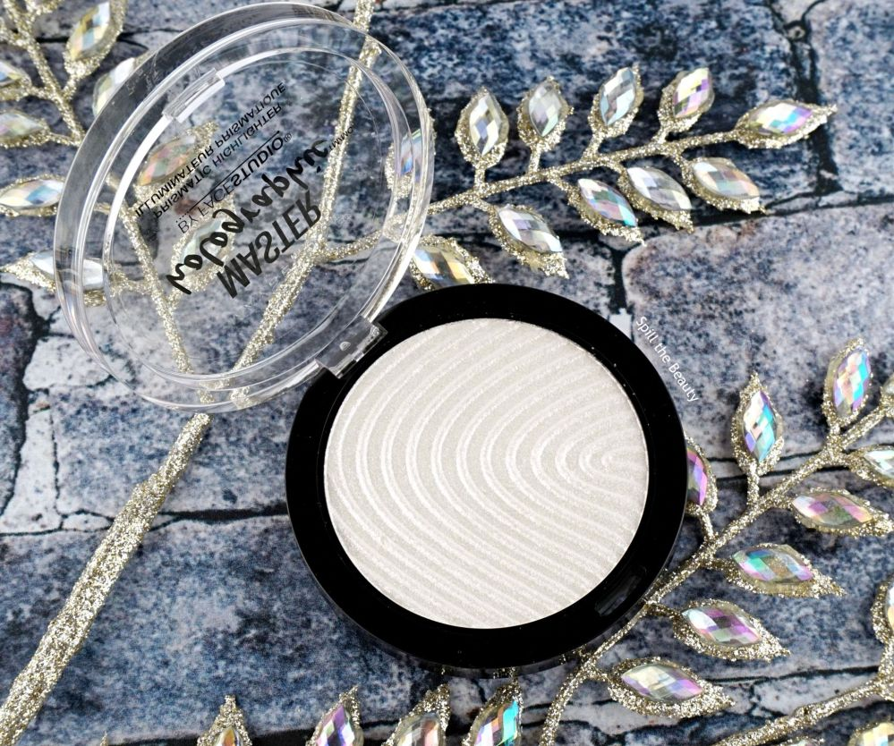"""Maybelline Master Holographic Prismatic Highlighter """"050"""" – Review, Swatches and Look"""