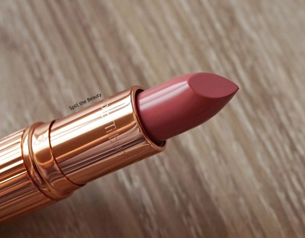 "Lip Swatch Sunday – Charlotte Tilbury ""Blushing Dream"""