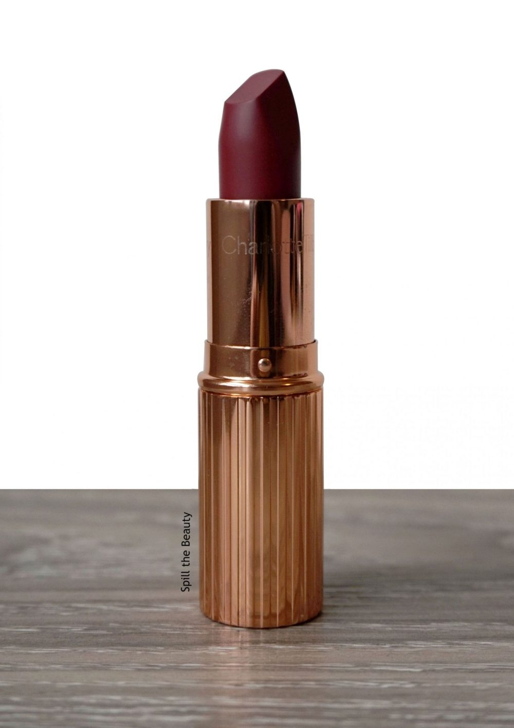 "Lip Swatch Sunday – Charlotte Tilbury ""Walk Of No Shame"""
