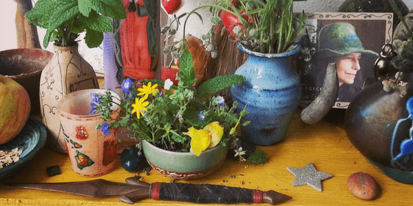 Spring altar, photo by Kathy Crabbe Art