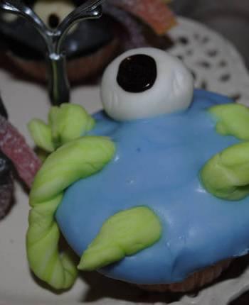 3 Halloween Cupcake Ideas