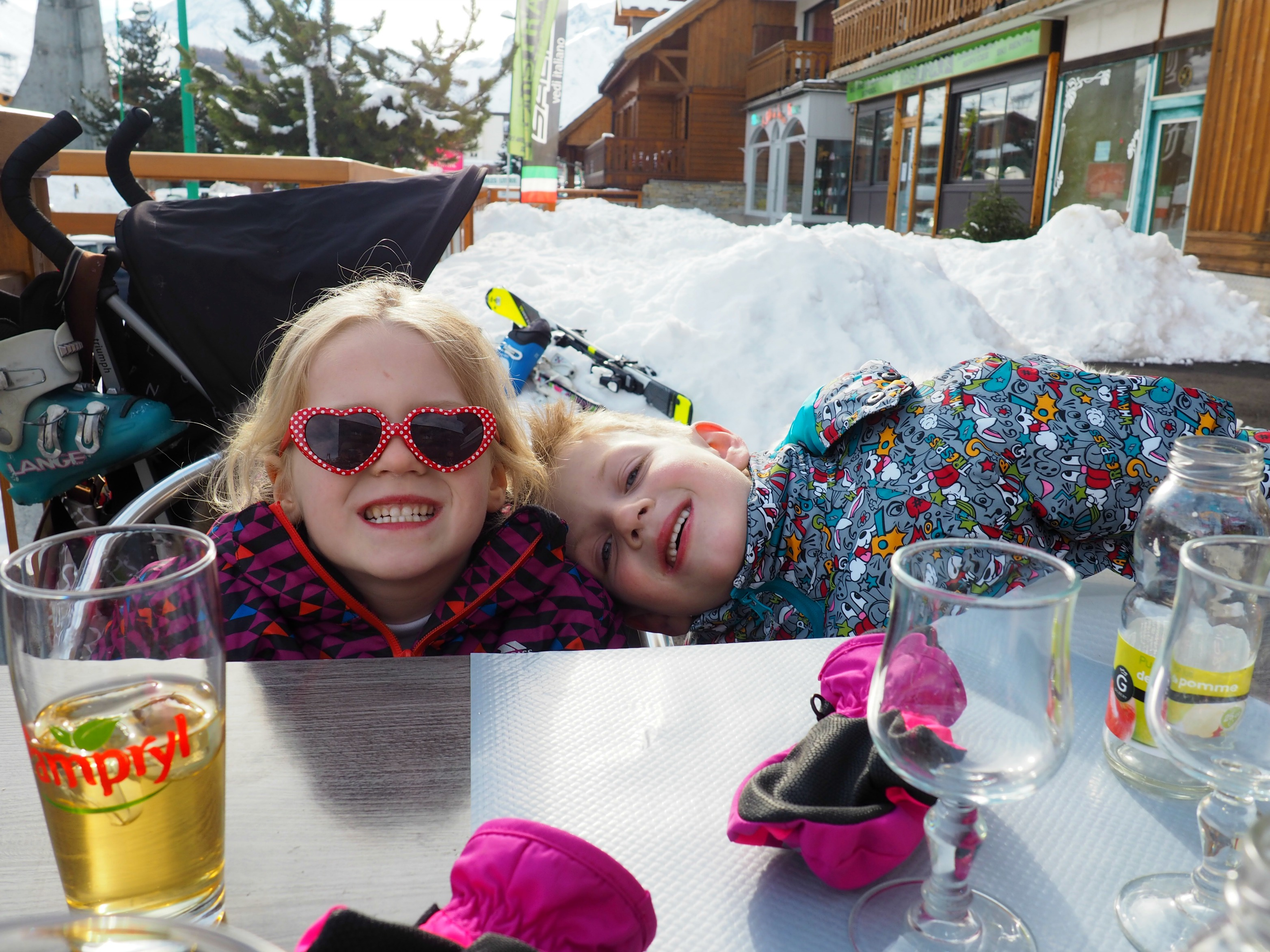 skiing with kids Les Deux Alpes