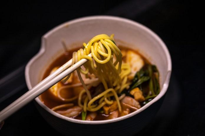 PasirPanjangBoy Prawn Noodle Soup