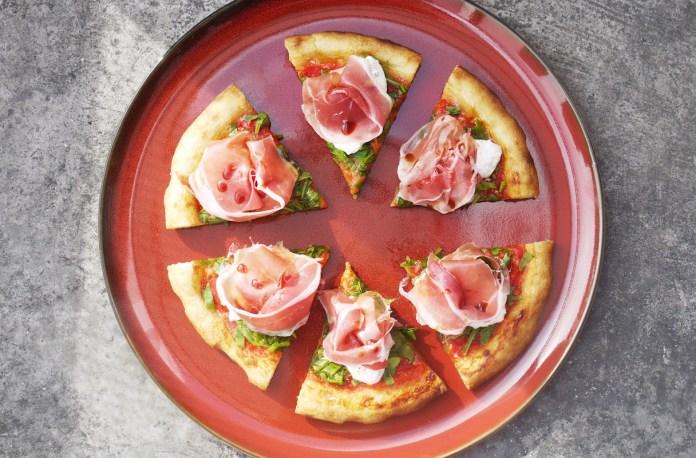 Amò Signature Prosciutto Pizza