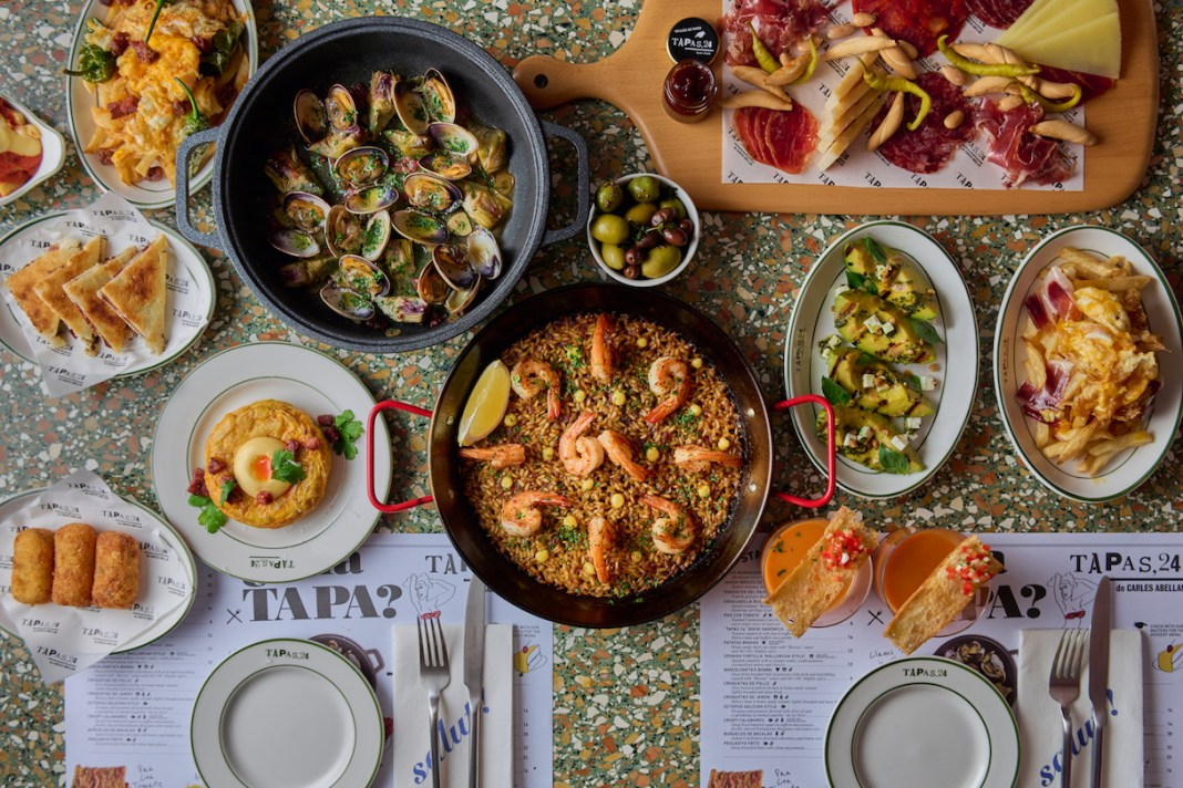 Tapas,24 Singapore dishes