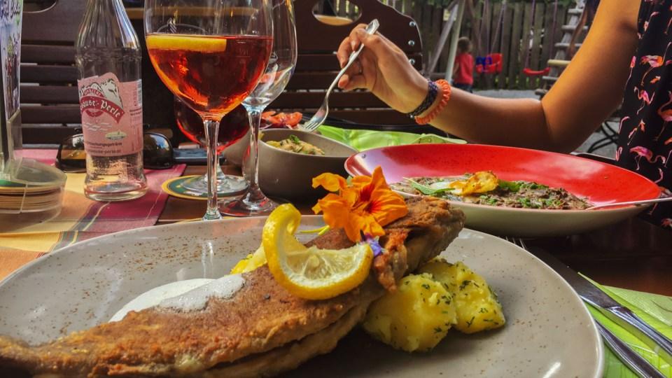 Essen: Forelle Müllerin und Beuschl