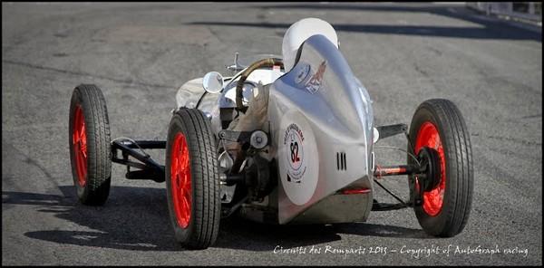 un genre de racer.JPG   76 filltre