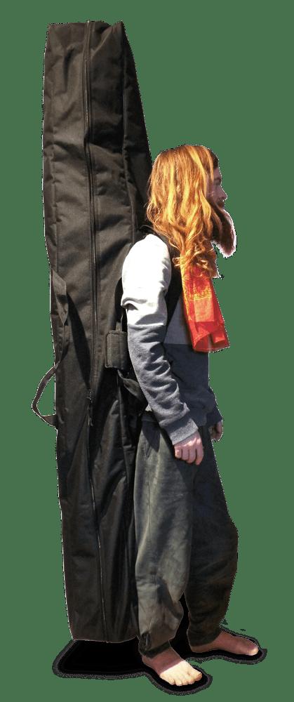 Tasche für das Monochord kann auf dem Rücken getragen werden