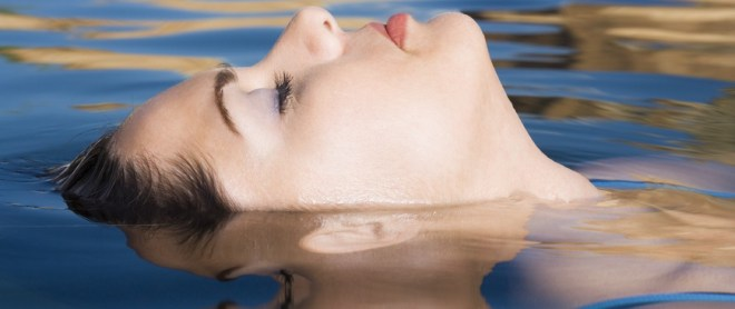 Keep Thought Buoyant - © Glow images. Model used for illustrative purposes.