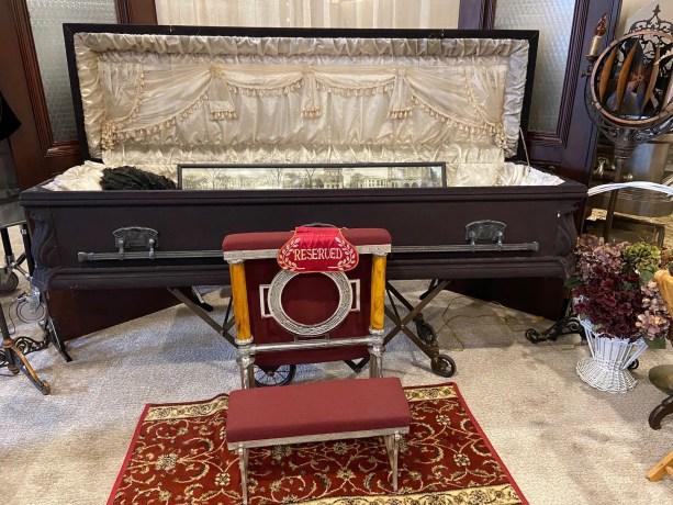 Victorian funeral, Victorian casket