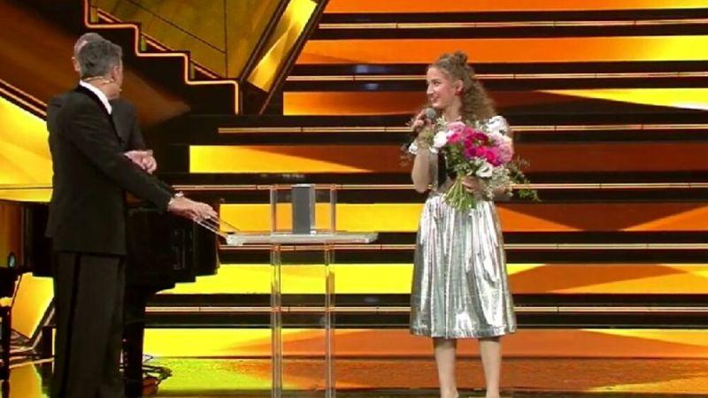 """Elena Faggi: """"Sanremo 2021 in una parola? Magico!"""" – VIDEO INTERVISTA"""