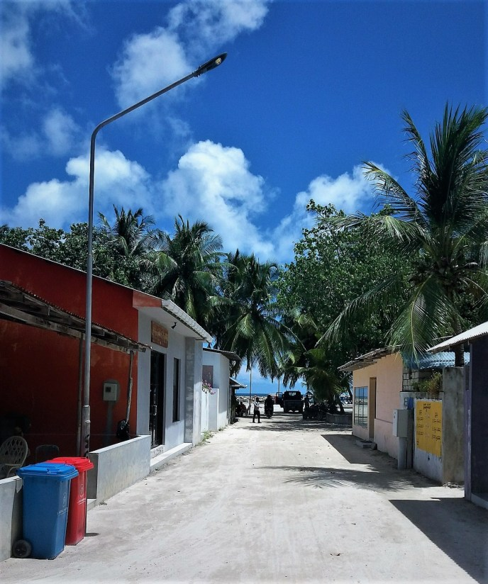 street on Rasdhoo Island
