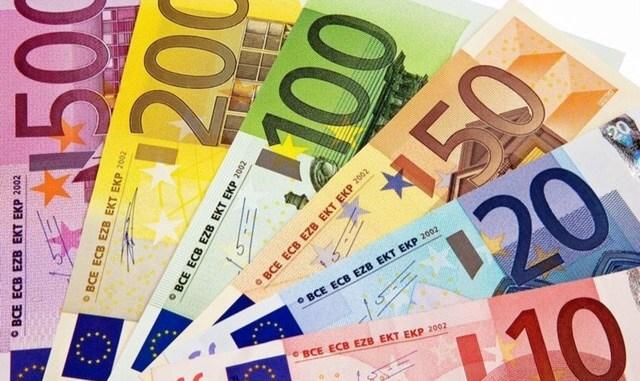 Pagamenti con soldi falsi, polizia arresta due truffatori a Spoleto