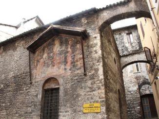 Chiesa dei Santi Giovanni e Paolo apertura straordinaria a Spoleto E' in occasione della ricorrenda si San Tommaso Becket