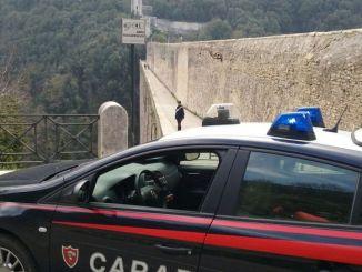 "Ennesimo suicidio dal ""ponte"", quarantenne si toglie la vita"