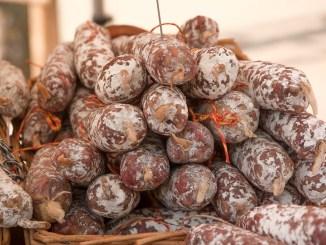 Rischio salmonella, richiamato un lotto di salsicce Macelleria di Spoleto