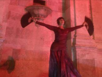 Carole Magnini danza nella giornata contro violenza sulle donne
