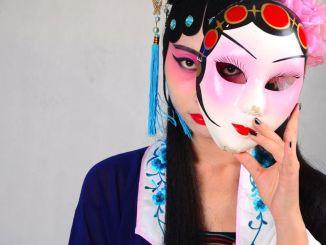 Festival due Mondi firmato il protocollo d'intesa Italia Cina per collaborazioni artistiche