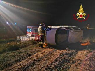 Auto cappotta, una persona ferita incidente stradale a San Giacomo