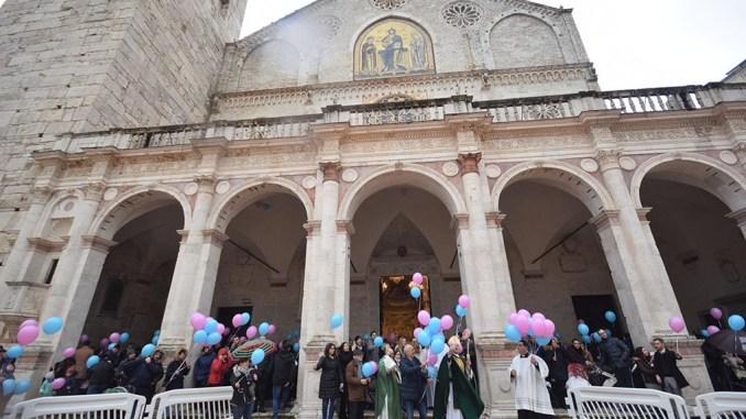 Giornata per la vita e Messa dei nati nell'anno a Spoleto