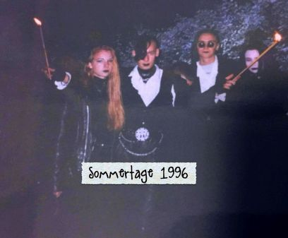 Im Sommer 1996 gruftig in Szene gesetzt