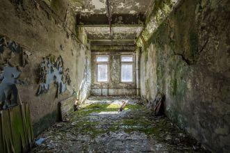 Tschernobyl 2016 - Duga3 Gebäude 3 Beispiel für natürlichen Verfall